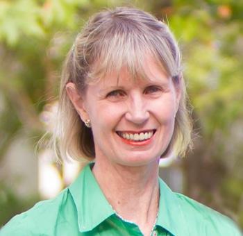 Dr Julie Beuth (Hewitt)