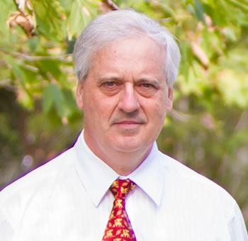 Dr John Petelczyc